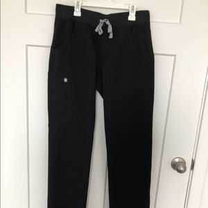 Figs jade cargo scrub pants - black